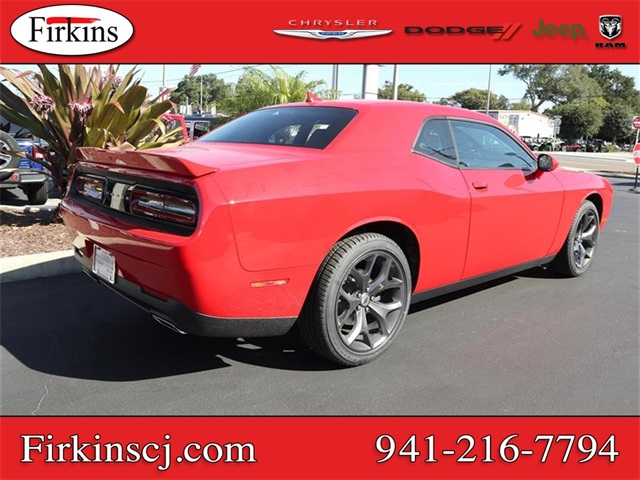 New 2019 Dodge Challenger SXT
