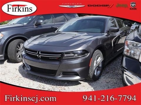 Pre-Owned 2016 Dodge Charger SE
